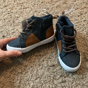 NWT toddler casual sneakers